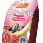 La gourde Vitabio de superfruits est disponible en cranberry, banane, myrtille, acerola